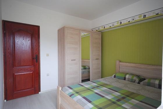 Предлагаем вам снять жилье в Игало без посредников, недалеко от института Симо Милошевич